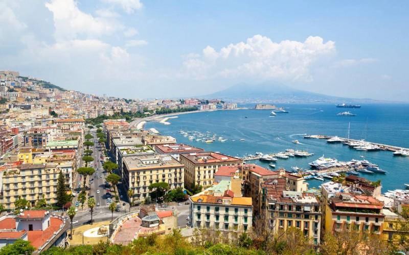Noleggio auto a Napoli